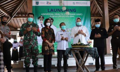 Wali Kota Batu, Dra Hj. Dewanti Rumpoko melaunching UHC (Universal Health Coverage) di Kampung Lumbung Resortdi, Desa Beji Kecamatan Junrejo Kota Batu.